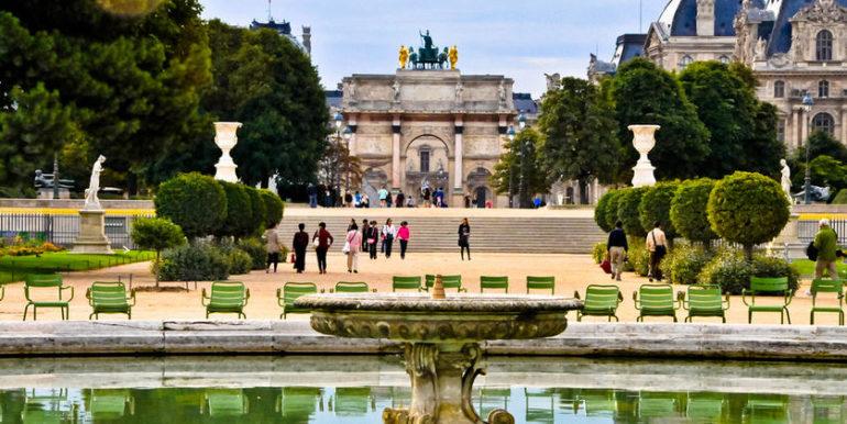 Jardin des Tuileries and Arc de Triomphe du Carrousel - Paris France