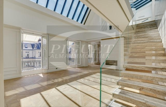 EXCLUSIVE! FURNISHED DUPLEX APARTMENT WITH WALK-ON TERRACE FOR RENT
