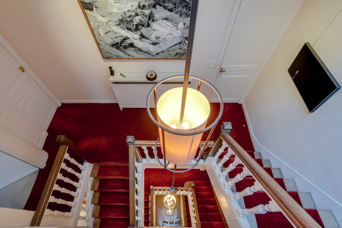 EXCLUSIVE UNFURNISHED PRIVATE MANSION FOR RENT